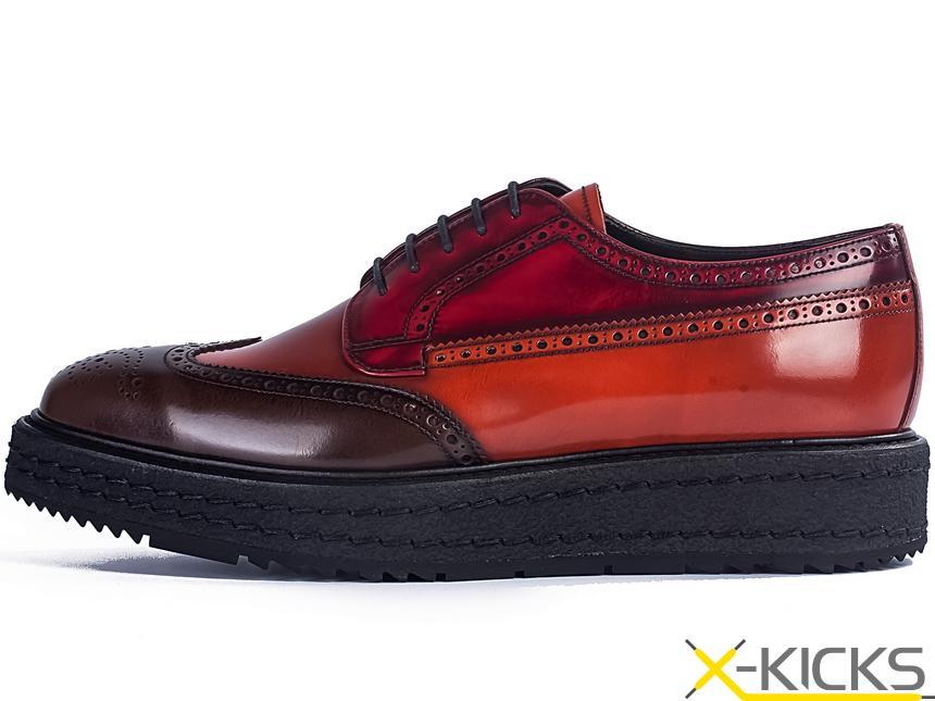 红色皮鞋搭配西装